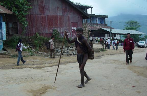 an-old-man-walking-mon-town