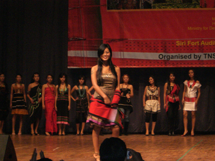 displaying-naga-attires-delhi