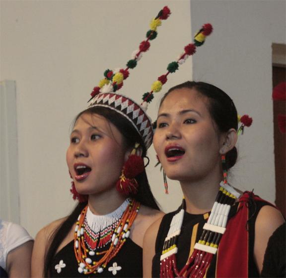 naga-damsels-singing-london