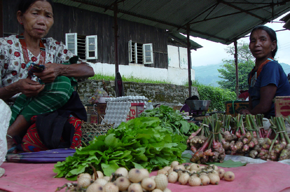 women-selling-fruits-and-veg-at-mon-town